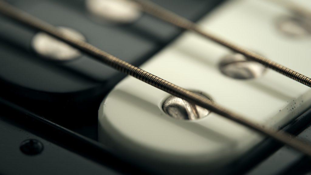 dabarti-guitar-vrayrt-gpu-02-1024x576